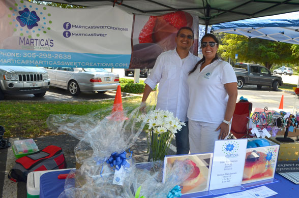 Martica's Sweet Creations (Martica Verdeja) and Greatfoodlist (Carlos Osorio) in the Doral Farmers Market